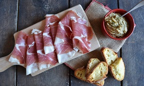 CROSTINI CON  CULATELLO
