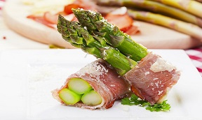 ASPARAGI CON CULATELLO